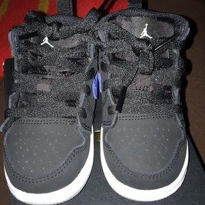 Toddler size 5c Jordan 1 MID(TD)